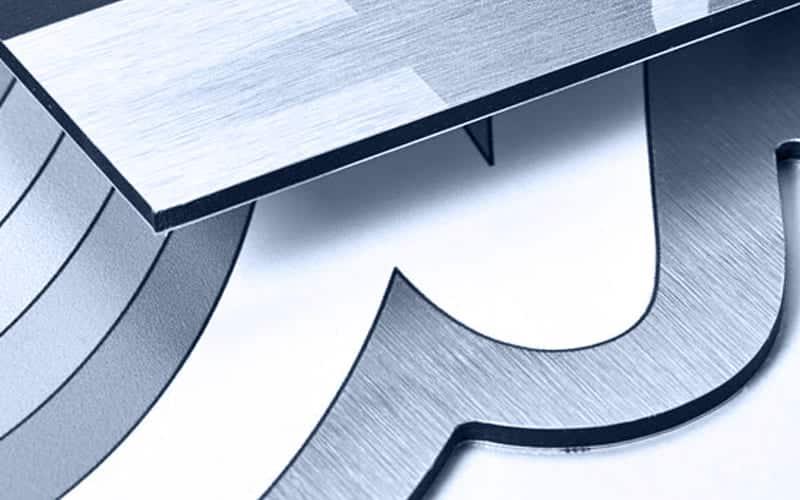 support aluminium en noir et blanc